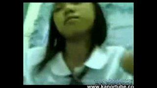 Estudyante Iniyot Habang walang tao sa Bahay – www.kanortube.com